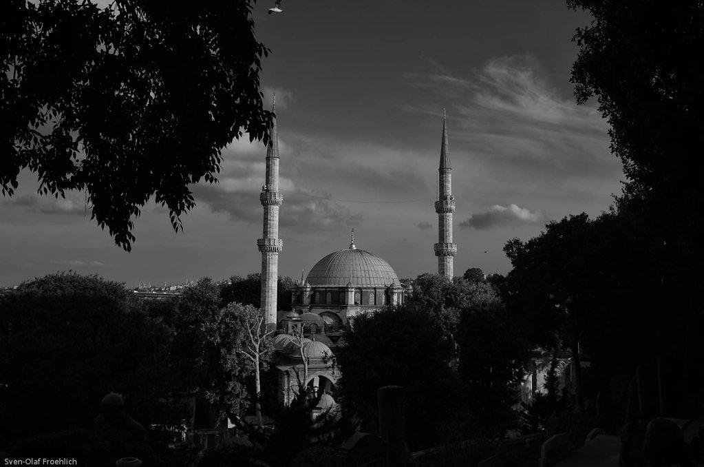 Unterhalb des Friedhofs liegt die Eyüp Sultan Moschee